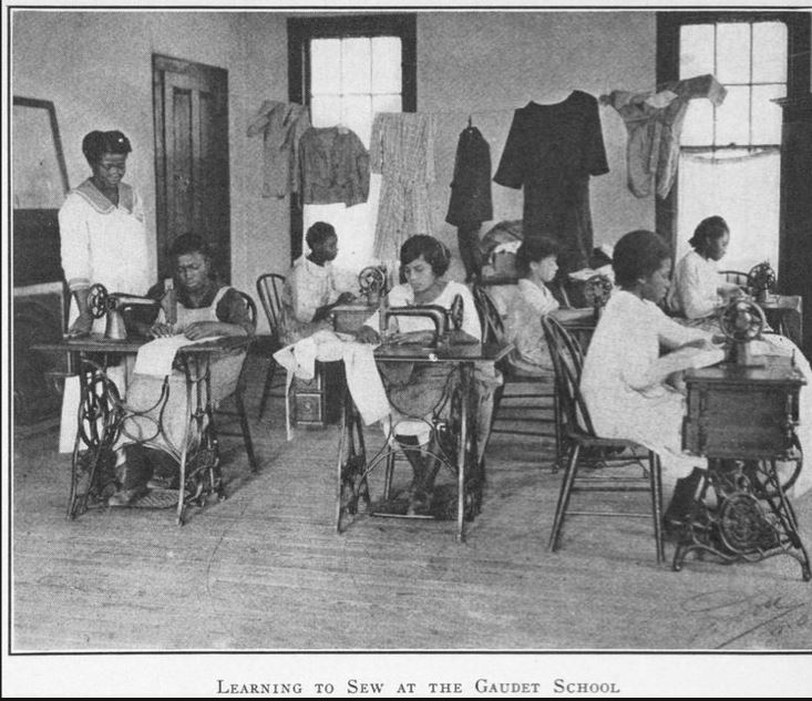 learning2sewNOLAgaudetschool-1923-NYPL
